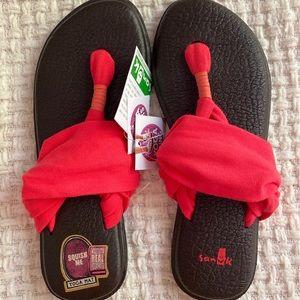 NWT Sanuk Yoga Sling Sandals